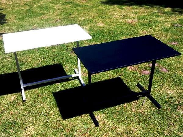small-nail-tables-in-steel-frame-black-white